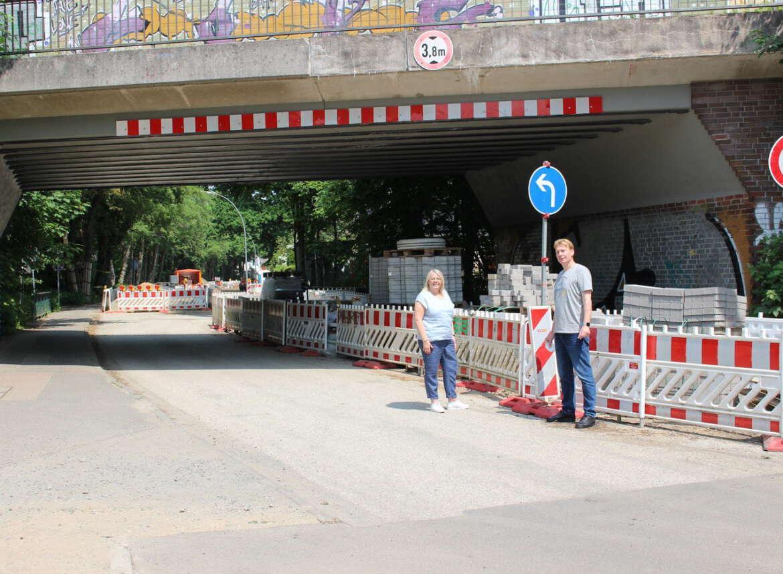 Der Um- und Ausbau der Veloroute 3 in der Niendorfer Straße wächst sich zur Dauerbaustelle aus